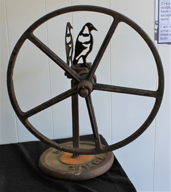 Metal Art - Antique Flower Mill Wheel with Magpies